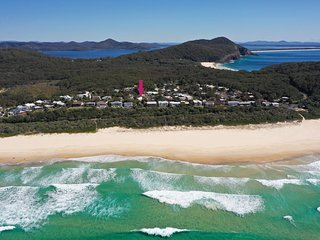 SPINNAKER 2    - Boomerang Beach, NSW