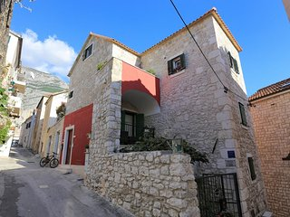 Four bedroom apartment Makarska (A-17903-a)