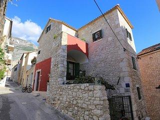 Four bedroom apartment Makarska (A-17903-a)