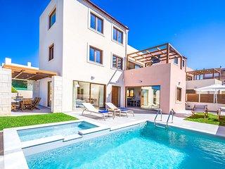 Theasis Luxury Villa, 250m From Agia Marina Sandy Beach Chania