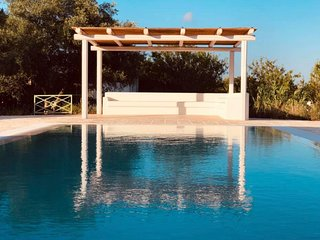 Certosa Villa Sleeps 6 with Pool and Air Con