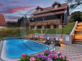 Awesome home in Sveti Ivan Zelina w/ Outdoor swimming pool and 2 Bedrooms