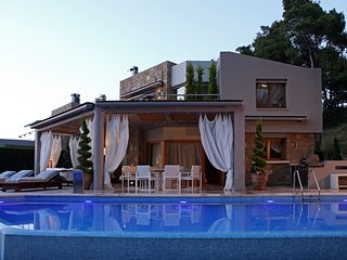 Greek Hygge Villa with private pool and sea view