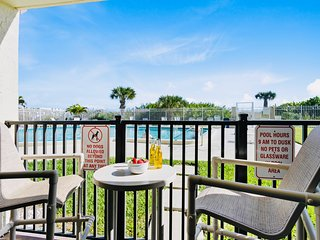 ** On the beach! Walk right out your door to the pool, beach & pier **