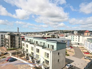 One Bedroom Apartment with Dual Balconies - Aurora