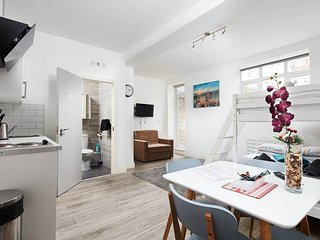 Flat 15 · Studio for 3 people with garden