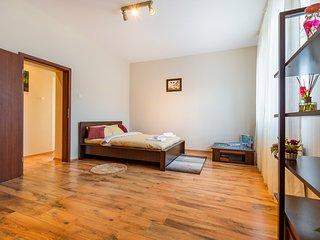 Sphynx Apartment