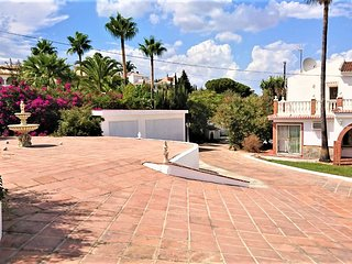 NEW LISTING!Beautiful 3 Bedroom Villa with Private Pool/Gardens Panoramic Views
