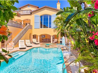 Sunsplashed! Your own private beach resort. 5BR/5BA, 3min walk to beach!