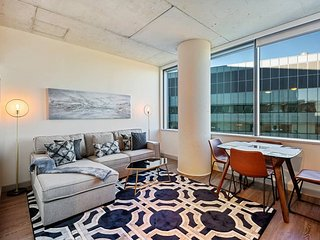 Executive Studio in the heart of University City - #2114