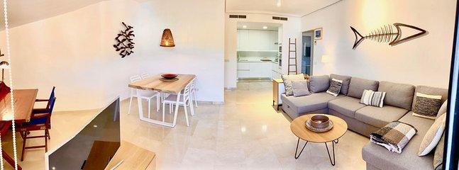 vista general salón comedor y cocina  desde terraza