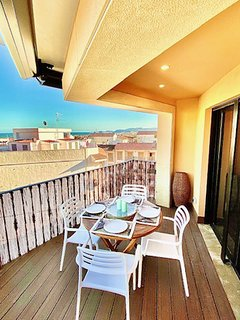 vistas desde terraza a bahía de Jávea ( Ibiza se divisa en dias claros al amanecer desde la misma)