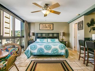 *Marbellalane - Mountain View Studio | Steps to Waikiki Beach