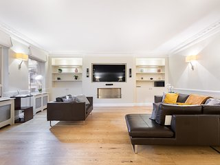 172.LOVELY 2BR FLAT IN THE HEART OF LONDON