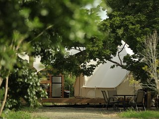 Pitahaya Glamping | 1 Queen + 2 Twins - Cabo Rojo