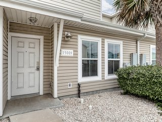 Family-friendly seaside getaway w/shared pool - close to the beach & more