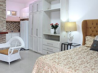 Fully Equipped 1br Studio –>dt–>2mins To The Beach