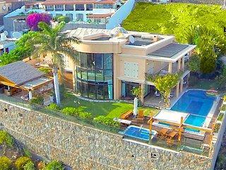 Villa Albella lujo y privacidad con piscina climatizada con vistas al mar