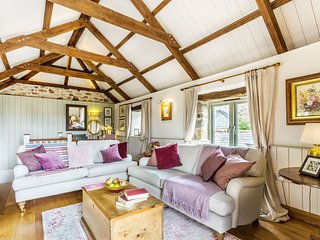 Old Pear Tree Barn - A beautiful pet-friendly barn conversion set in the North C