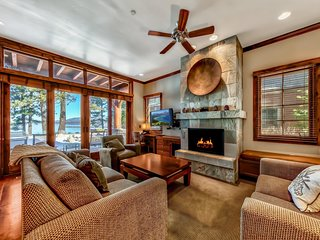 Cozy Lakefront Home - Steps to Lake Tahoe - 3BR/3BA - Breathtaking Views