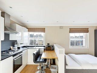 Modern & Bright Studio in Marylebone