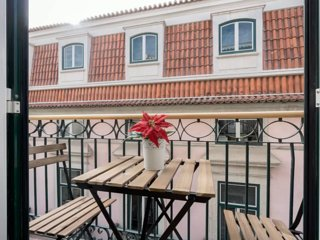 ❤LD Apartments-Super Central-AC-Balcony-Chiado