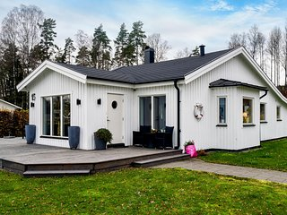 Awesome home in Hökerum w/ Sauna and 4 Bedrooms (S50288)