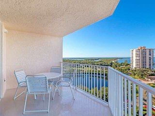 New Listing-AMAZING 9th Floor Gulf & Bay View! Minutes to Gulf Beaches! Free Par