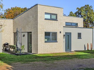 Stunning home in Lembruch/Dümmer See w/ Sauna and 2 Bedrooms (DDS191)