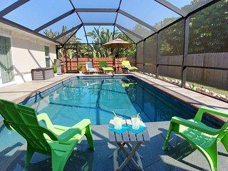Lovely Brandnew Pool Villa w/ Private Beach, WiFi