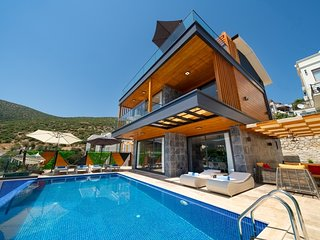 Luxury Villa Kalamar De Luxe is 4 Bedroom With Private Pool Villa in Kalkan
