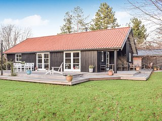 Stunning home in Gilleleje w/ 3 Bedrooms (E04338)
