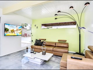 **Party Like its 1959 , Mid Mod Pool Home as 'Seen on TV' House Hunters Show**
