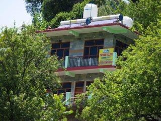 Tirthan Hill Top Homestay