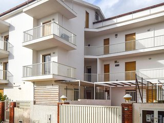 Awesome apartment in Marina di Modica w/ 3 Bedrooms (ISR274)