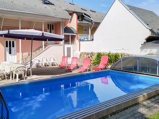 Nice apartment in Zamárdi w/ Outdoor swimming pool, Outdoor swimming pool and 2