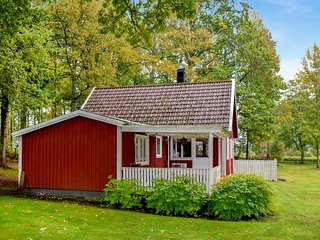 Nice home in Bolmsö w/ 3 Bedrooms (S25272)