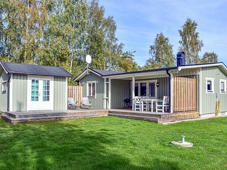 Awesome home in Solvesborg w/ WiFi and 3 Bedrooms (S20003)