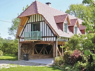 Awesome home in Houdetot w/ 2 Bedrooms (FNS004)