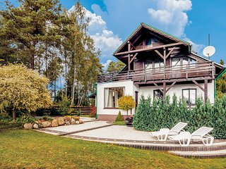 Stunning home in Studzienice w/ Sauna and 5 Bedrooms (PKA691)