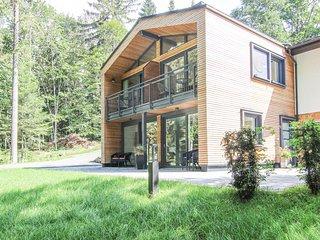Stunning home in Crinitzberg/Barenwalde w/ WiFi and 2 Bedrooms (DER125)