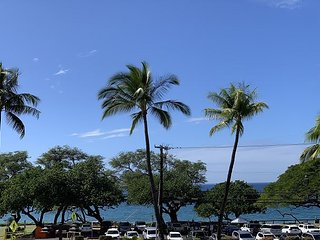 Maui Parkshore #313 2Bd Ocean View, Walk to Beach, Shops and Dining, Sleeps 5