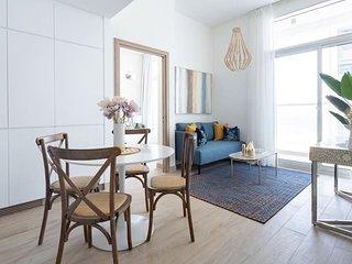 Exquisitely Designed 1BR Apartment in Dazzling Dubai Marina!