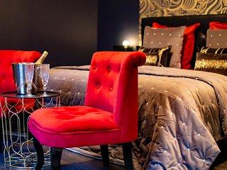 Appartement avec Jacuzzi et Terrasse privatifs, Piscine Chauffée, Sauna, Billard