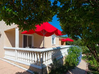 Sea view terraced house near Saint Cyprien, Q8,swiimming pool, quiet located