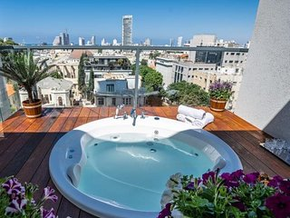 LUXURY DUPLEX WITH A JACUZZI ON ROTHSCHILD