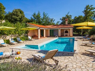Beautiful home in Koromacno w/ Outdoor swimming pool and 5 Bedrooms (CIO261)