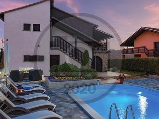 Amazing home in Vinica Breg w/ Outdoor swimming pool and 3 Bedrooms (CCC155)