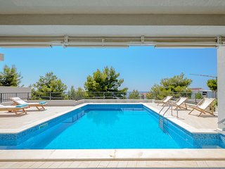 Villa Primosten Joy – Luxurious large pool villa near the sea, Primosten