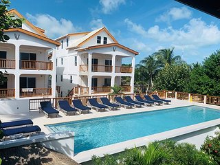 New 3 bedroom 3 bathroom  steps to the pool, private beach and dock #5